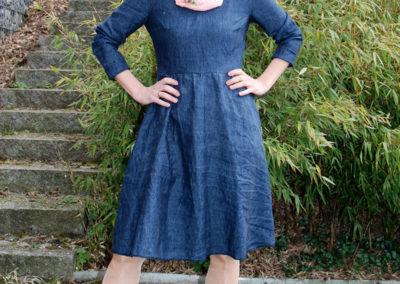 Jeanskleid ohne Blumen burda easy HW/2016, Glamourkleid 2 B