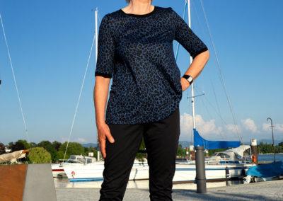 T-Shirt aus Burda 1/2018 #107 abgeändert: Rücken mit Kellerfalte - Hose aus Baumwolle/Elasthan aus Burda 1/2018, #107, Sportleggins teilweise abgeändert