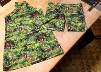 Jersey: Neckholder für die Enkelin, Shorts für den Enkel