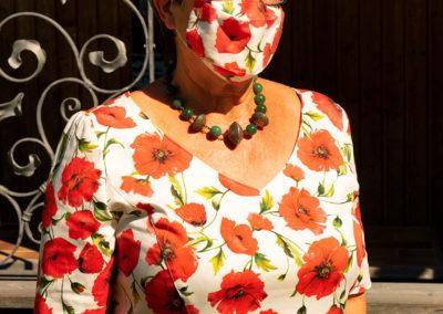 Kleid mit passendem Mund- und Nasenschutz